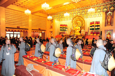 http://old.buddhism.org.hk/upload/editorfiles/2009.12.5_9.37.40_1928.JPG